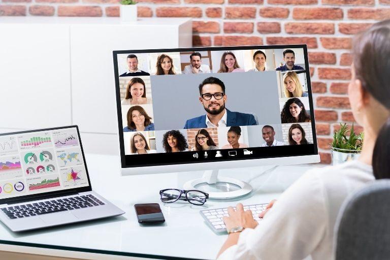 4-consejos-para-que-las-videoconferencias-sean-efectivas_Tick-Translations-768x512